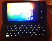 HTC 7 Pro aufgeklappt